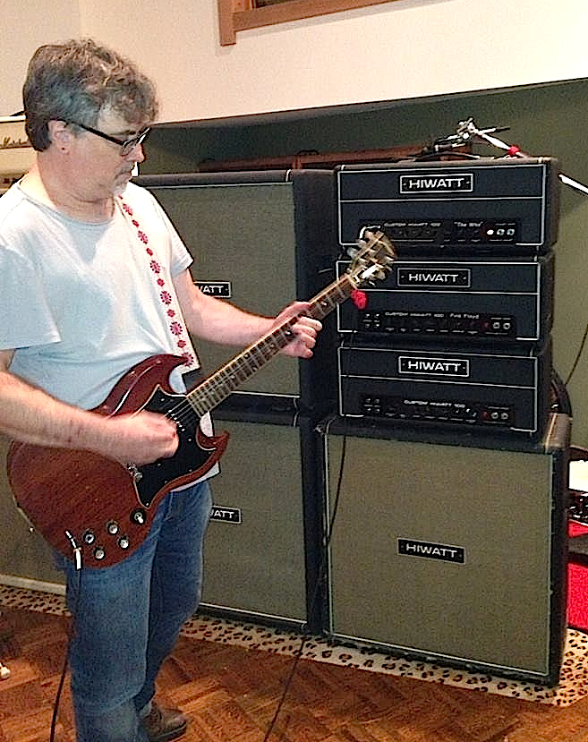 What does a fan like Binky do with Pete's guitar? Play it through Hiwatt amps like Pete did, of course.
