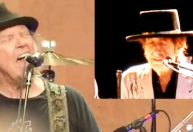 Neil Young, Bob Dylan Perform Together: Watch