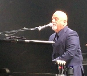 Billy Joel MSG at piano (Michaal Boudin via CA) (crop)