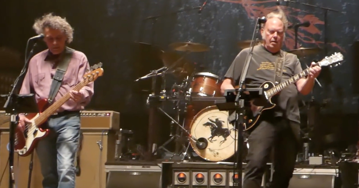 neil young adds new dates to spontaneous tour best classic bands. Black Bedroom Furniture Sets. Home Design Ideas