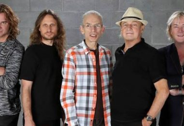 Yes Cancels Tour Due to Death of Howe's Son