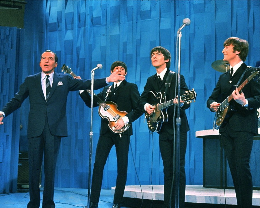 The-Beatles-with-Ed-Sullivan-1964-900x720