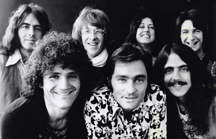 Jefferson_Starship_photo_1976 (crop)