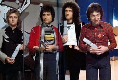 Radio Hits in December 1977: Look Back
