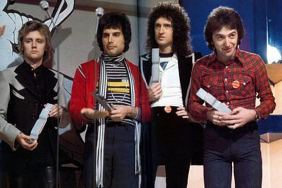 Queen in 1977, from BrianMay.com