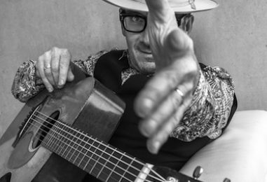 Elvis Costello to Tour in Fall Following Cancer Surgery