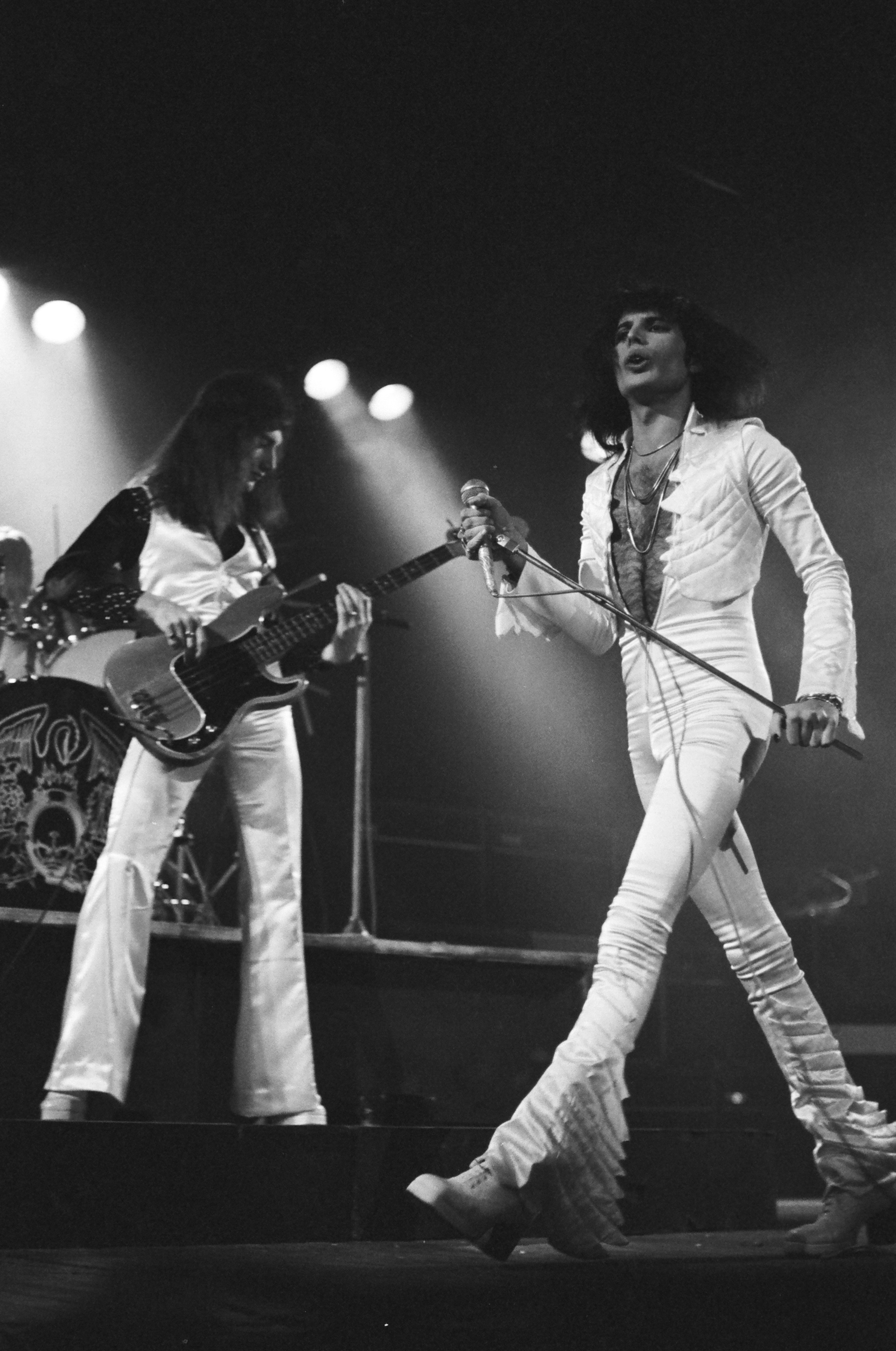 Resultado de imagen de Queen: A Night at the Odeon – Hammersmith (1975) DVD-rip