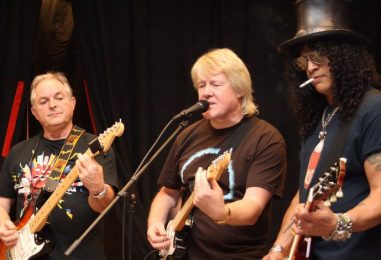 Weekend Warriors Become Stars at Rock and Roll Fantasy Camp