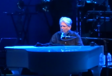Brian Wilson's 'Pet Sounds' Shines at 50th Bash: 2016