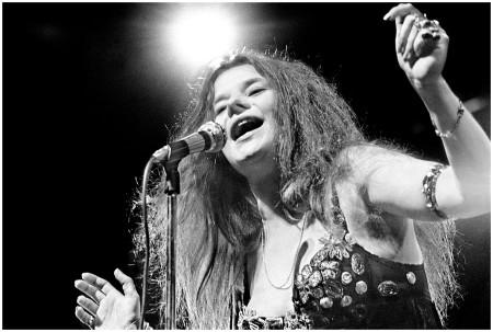 Janis Joplin, Rhode Island, 1968. Photo By ©Elliott Landy, LandyVision Inc. Used with permission.
