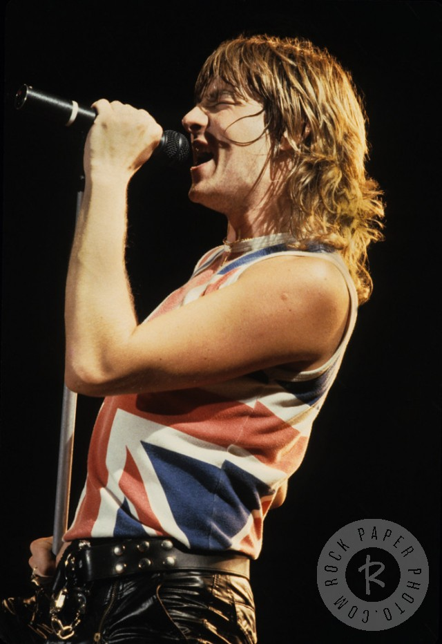 "Joe Elliott performing at his ""day job"" with Def Leppard. Photo © Mark Weiss via RockPaperPhoto.com. Used with permission."