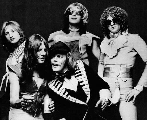 Mott The Hoople in 1974 (Photo from their Wikipedia page)
