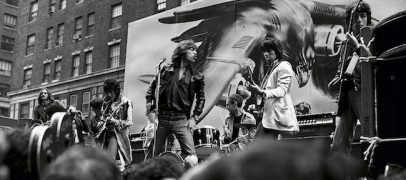 1975: Rolling Stones Perform on NYC's Fifth Avenue