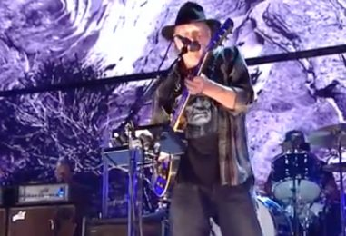 Neil Young's Set at Farm Aid is First in 11 Months