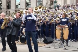 Chicago, Notre Dame Marching Band Enjoy a Day in the Park