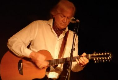 Moody Blues' Justin Hayward: Concert Review