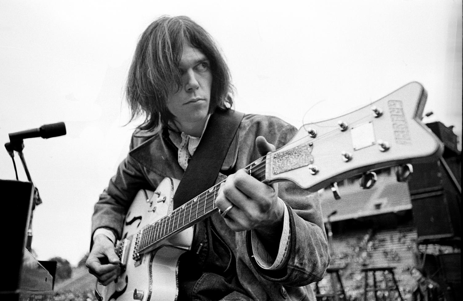Neil Young & Crazy Horse's Debut @50 | Best Classic Bands